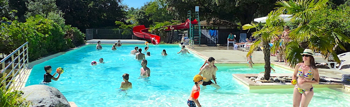 Camping carcassonne aude le martinet rouge for Camping carcassonne piscine
